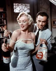 """""""Magnifica Marilyn"""", la mostra a Bologna presso la hall del Cinema Lumire dal 3 luglio al 5 agosto del 2012 (Il Fatto Quotidiano) Tags: mostra cinema marilyn marilynmonroe lumiere bologna cinemalumiere magnificamarilyn"""