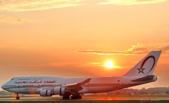 CN-RGA   |  ROYAL AIR MAROC  |  BOEING 747-400   |  SUNSET | MONTREAL  |  YUL   |  CYUL (J P Gosselin) Tags: cnrga royalairmaroc boeing747400 boeing747 b747400 montreal yul cyul canoneosrebelt2i canoneos7d canon7d canon 7d eos7d canoneos eos quebec canada aircraft airplane airport avion trudeau aéroport dorval rebel t2i petrudeauinternationalairport aéroportinternationalpetrudeau petrudeau montréal québec ph:camera=canon sunset flickr