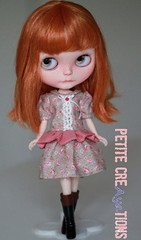 (Aya_27) Tags: red flower cute floral check dress sweet lace sewing puff short button ribbon mywork blythe freckles collar custom sleeves ruffle dlg rbl dressbyme dearlelegirl tiinajusttiina petitecreayations