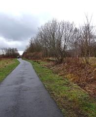 Gone (Bricheno) Tags: station scotland path railway escocia cycle cyclepath szkocja schottland scozia sustrans cosse kilbirnie  esccia beeching   bricheno scoia