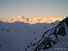 Day 2: A sunset view from the Valsorey hut to MB, GJ, Aiguille Verte, you name it. (Erik.G.) Tags: zermatt chamonix skitouring skitour hauteroute valsorey plateauducouloir