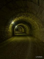 Bajo tierra. (Salvamat.) Tags: tunel pasadizo