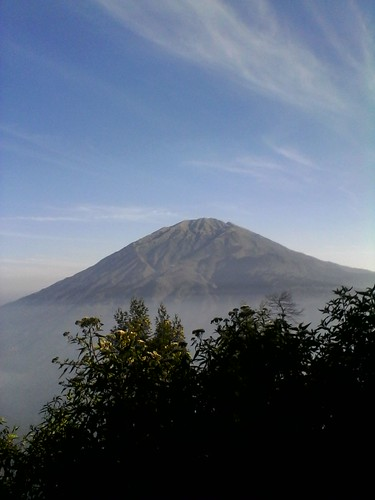 "Pengembaraan Sakuntala ank 26 Merbabu & Merapi 2014 • <a style=""font-size:0.8em;"" href=""http://www.flickr.com/photos/24767572@N00/26556893394/"" target=""_blank"">View on Flickr</a>"