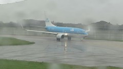 2016-041115 British Airways (bubbahop) Tags: uk greatbritain england london film rain plane movie video airport unitedkingdom heathrow britishairways airliner lhr 2016 dreamliner boeing787 europetrip33