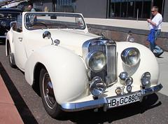 TR2000 (The Rubberbandman) Tags: auto old uk england english classic car vintage germany 1 2000 britain eins great schuppen convertible german triumph gb vehicle british bremen cabrio tr fahrzeug roadster cabriolet linien