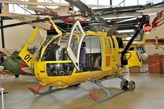 BO-105CBS-5     EC-FYV (Andreu Anguera) Tags: helicopter helicoptero andreuanguera bölkowblohm bo105cbs5 aeroportbarcelonaelprat centreculturalaeronàtic