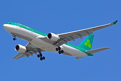 EI-DAA (Rich Snyder--Jetarazzi Photography) Tags: california ca plane airplane sfo aircraft jet landing airbus arrival approach coyotepoint shamrock ein aerlingus a330 sanmateo airliner ei approaching arriving jetliner sanfranciscointernationalairport ksfo a330200 a332 a330202 eidaa