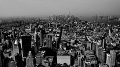 B&W, Lower manhattan, Down town, Views from the Empire State building, Observation deck, New York (Fco. Javier Cid) Tags: bw lowermanhattan downtown viewsfromtheempirestatebuilding observationdeck newyork