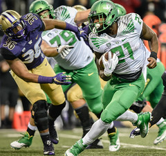 oregon@washington2015_kc-126-e1446006871276 (travisdean35) Tags: 2015 away cfb conference ducks football huskies huskystadium kevincline ncaa night october oregon pac12 seattle washington