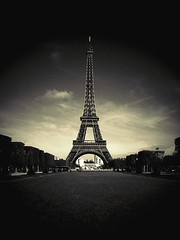 Eiffel Tower (I)