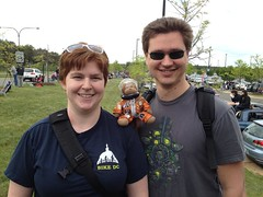 More Timmy fans! (thinkgeekmonkeys) Tags: nasa shuttle discovery thinkgeek udvarhazy ov103 spottheshuttle
