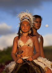 Girls On A Horse During Tapati Festival, Easter Island, Chile (Eric Lafforgue) Tags: chile carnival sunset horse color colour latinamerica southamerica animal festival vertical mammal chili pacific feather tribal worldheritagesite pacificocean carnaval easterisland twopeople ethnicity traditionalculture colorphoto rapanui isladepascua hangaroa southpacificocean traditionalfestival  7576 exoticism  tapatifestival onlyteenagegirls ili  polynesianisland   ile    southeasternpacificocean polynesiantriangle chileanpolynesia