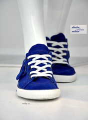 walking in ... (dimitra_milaiou) Tags: life new city blue 2 summer two white color colour feet window sport shop start shopping walking foot living town nikon shoes holidays europe bokeh d walk go lifestyle athens greece together shape sales pure 90 vacations on dimitra d90       milaiou