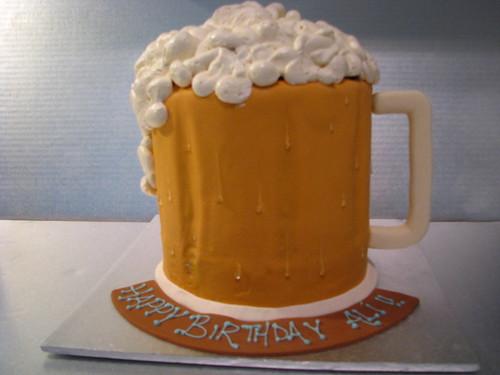 Frosty beer mug cake