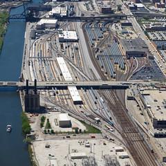 Chicago, the Railway City (Nohab0100) Tags: usa chicago yard illinois railway trains aerial amtrak eua metra comboios willistower