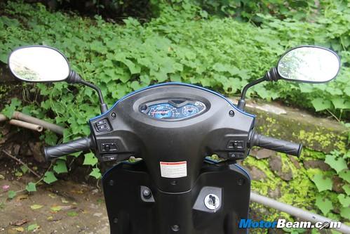 2012-Suzuki-Swish-13