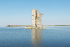 Neeltje Jans Deltaworks (Bart van Damme) Tags: sea water netherlands grass coast spring sand stream wind harbour dam dunes thenetherlands zeeland windmills climbing shore northsea electricity nl protection waterworks streaming sustainable climbers sustainability windenergy rijkswaterstaat levee deltapark vrouwenpolder climbingwall stormvloedkering abseil schouwenduiveland neeltjejans deltawerken oosterschelde zeelandbrug deltaworks oosterscheldekering oosterscheldedam debanjaard klimmuur departmentofpublicworks n57 roompot deltaplan helmgrass pijlerdam gildepad roggenplaat stormsurgebarrieroosterschelde reservepijler thedeltaplan theeasternschelde theinfamousfloodof1953 thewesternschelde werkeilandneeltjejans buitenklimwand klimcentrumdepijler langsteklettersteigvannederland