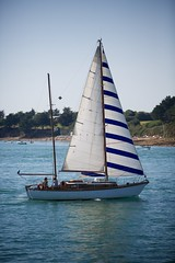Zeilboot in Golfe du Morbihan (BasBoerman) Tags: family camping summer holiday france strand zeilen boot boat vakantie familie july bretagne zee zomer frankrijk juli bootje 2012 zeilboot zomervakantie varen sarzeau
