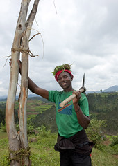 Lumberjack, Rwanda (Eric Lafforgue) Tags: africa man smile outdoors happy african rwanda axe afrika hache sourire commonwealth lumberjack oneperson homme afrique eastafrica bucheron blackskin ruralscene centralafrica 2644 kinyarwanda ruanda afriquecentrale     republicofrwanda   ruandesa
