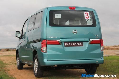 2012-Nissan-Evalia-13