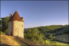 Au château de Vaillac ....... en pays Lotois (lo46) Tags: france lot paysage maison château patrimoine midipyrénées lo46 lumièredusoir nuitdesétoiles vaillac departementdulot artistoftheyearlevel5