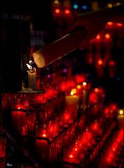 Fe / Faith (Shosuro_) Tags: luz temple candles basilica montserrat velas templo 2012 espelmes