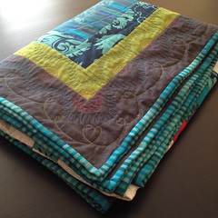 log cabin quilt folded (kimkoloski) Tags: quilt plan logcabin freemotionquilting fmq