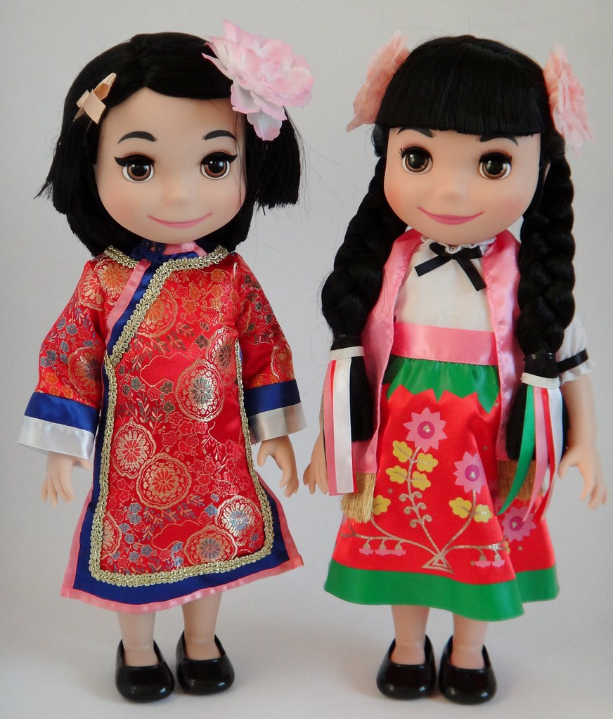 """Disney Store 16/"""" It/'s A Small World Singing Doll INDIA HAWAII MEXICO *READ BELOW"""