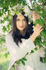 Sarah-07052016-19 (audrey.groshans) Tags: portrait fleurs 50mm soleil nikon femme beaut belle lorraine campagne printemps fleuri metz magny moselle modle couronne nikond7200