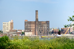viewing brooklyn (vfxdad) Tags: street nyc skyline brooklyn eastriver domino refinery