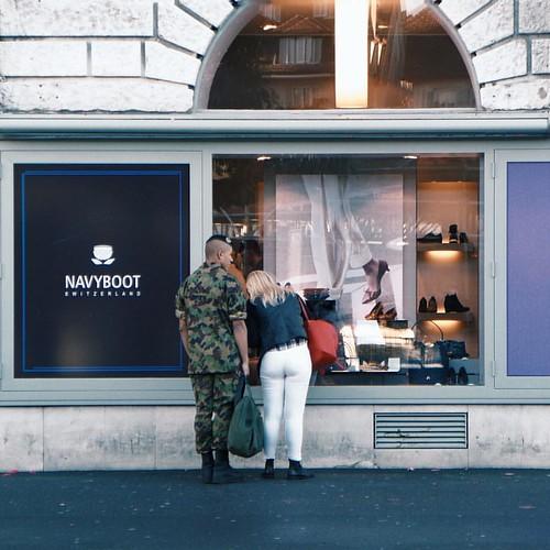 Navy Boot 👞 @navybootswitzerland | #mydstreetmoments #mydswissmoments #leicatyp109 #vsco J4
