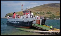 MV Loch Tarbert (zweiblumen) Tags: uk ferry scotland boat ship alba calmac isleofarran lochranza polariser caledonianmacbrayne northayrshire eileanarainn canoneos50d claonaig zweiblumen mvlochtarbert lochraonasa