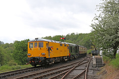 """73952 """"Janis Kong"""" + D8188 (Andrew Edkins) Tags: england yellow canon geotagged shropshire severnvalleyrailway doubleheader preservedrailway networkrail highley class73 class20 73952 d8188 janiskong"""