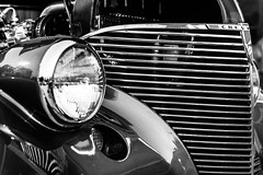 Aristocrat (tonyajbender) Tags: show old blackandwhite chevrolet car vintage automobile antique grill headlight photochallengeorg photochallenge2016