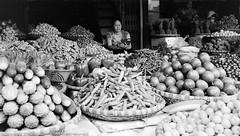 Market Traders (Pexpix) Tags: 400tx bw blackandwhite digitizedfilmnegative film kodakd76 kodaktrix400 leica35mmsummicronmf2asph leicampsilver market monochrome traders vegetables hanoi hni vietnam