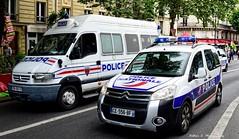 Police Paris - TV CI & TC CI (Arthur Lombard) Tags: paris france riot nikon 911 police citron renault led mo policecar 17 ci 112 bluelight 999 lightbar policedepartment gyrophare renaulttruck renaultmascott citronberlingo riotunit gyroled nikond7200