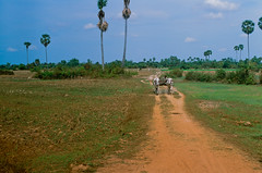 Cambodia Siem Reap (Jim Delcid) Tags: cambodia siemreap provia100f pentaxmx smc50f14 autaut earthasia