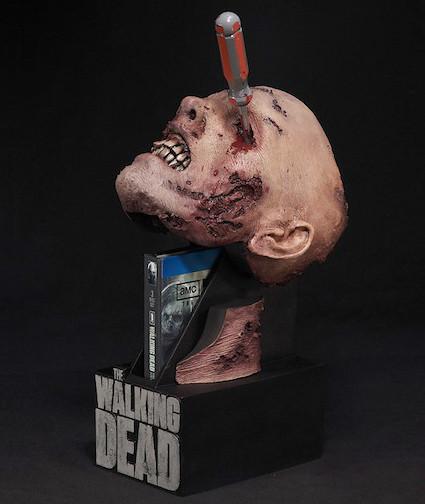 """美版""""陰屍路""""第二季藍光光碟收藏版將用死人頭包裝!!!"""