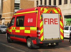Hampshire Fire & Rescue Service - Redbrigde 53 Mercedes Sprinter Small Fires Unit ( HX60 GCZ  ) (Callum999Pics) Tags: uk blue light england rescue west bar fire lights mercedes coast key nissan britain head south united flash small rear great sfu blues 9 kingdom hampshire led leds service southampton emergency reds fires 53 region triple services battenburg unit 999 sirens livery sprinter chevrons strobes navara rotaters gcz hx60 redbrigdes