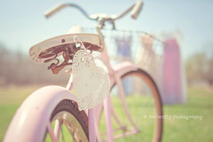 Afternoon Light + Vintage Bike = LOVE (Kimberly Chorney) Tags: sun vintage pretty sweet naturallight bluesky afternoonlight greengrass pinkbike vintagepromdresses