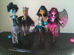 ghouls rule masks (Spooky-Cute) Tags: monster de high wolf frankie nile cleo rule ghouls stien clawdeen draculaura
