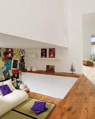 A feminine loft in Barcelona (Muriel Alvarez) Tags: barcelona wood white color home loft design spain purple interior violet espagne blanc homedecor bois gouse hometour idéesdéco blogdéco