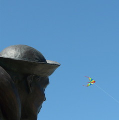 the sailor and the sail... (gerrygoal2008) Tags: kite june statue museum bronze soldier war colours navy landing souvenir sailor remembrance usnavy normandy dday 6th 1944 commemorative utahbeach allied stemariedumont concordians
