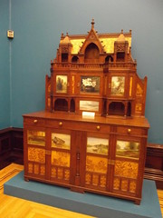 Birmingham Museum and Art Gallery - The Everitt Cabinet (ell brown) Tags: greatbritain england museum birmingham unitedkingdom westmidlands bmag birminghammuseumartgallery birminghammuseumandartgallery birminghamcitycouncil artscouncilengland rbsa johnhenrychamberlain birminghammuseums royalbirminghamsocietyofartists theeverittcabinet allengeveritt secretaryoftheroyalbirminghamsocietyofartists