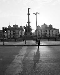 (El grito lquido) Tags: plaza history blancoynegro monument lima per bn monumentos repblica peruvian batalla historiaperuana