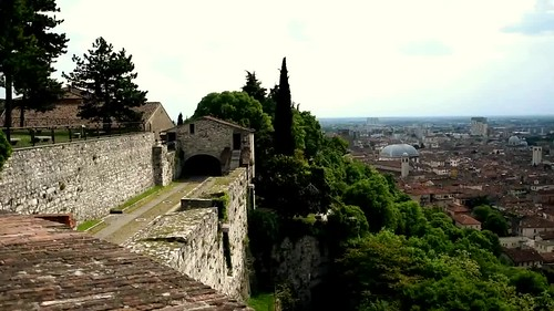 """Panoramica dal Castello di Brescia • <a style=""""font-size:0.8em;"""" href=""""http://www.flickr.com/photos/121308622@N02/26713732120/"""" target=""""_blank"""">View on Flickr</a>"""