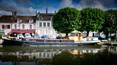 Barge on the Grand Canal (Dan Guimberteau) Tags: barge boat péniche canal briare water eau stream france loiret centre departementsdoutremer lareunion port harbor harbour nikond7100