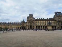 Muse du Louvre (CamJrOff) Tags: france paris arcdetriomphe town city old road life art photographie pic picture architecture louvre g7x pyramide sculpture batiment jr