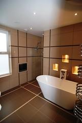 """Ravensbourne2 Bathroom1  062 • <a style=""""font-size:0.8em;"""" href=""""https://www.flickr.com/photos/77639611@N03/6948019832/"""" target=""""_blank"""">View on Flickr</a>"""