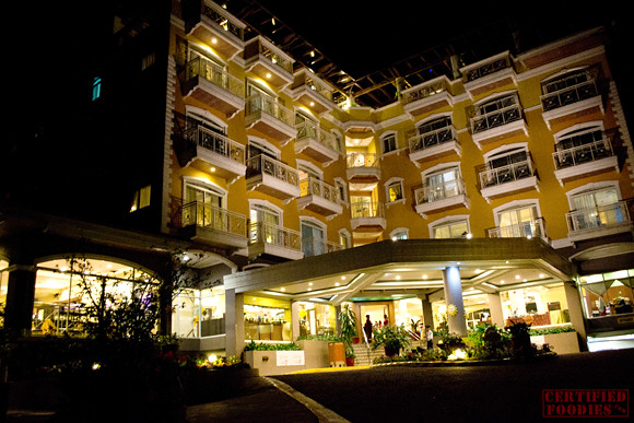 Hotel Elizabeth Baguio at night